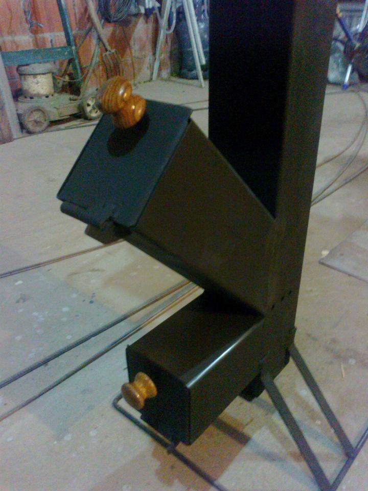 Cocina rocket de metal metal rocket stove nicol s di - Como hacer una cocina de lena ...